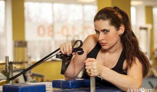 Грузинская спортсменка успешно сочетает хирургическую практику с силовой атлетикой — ФОТО
