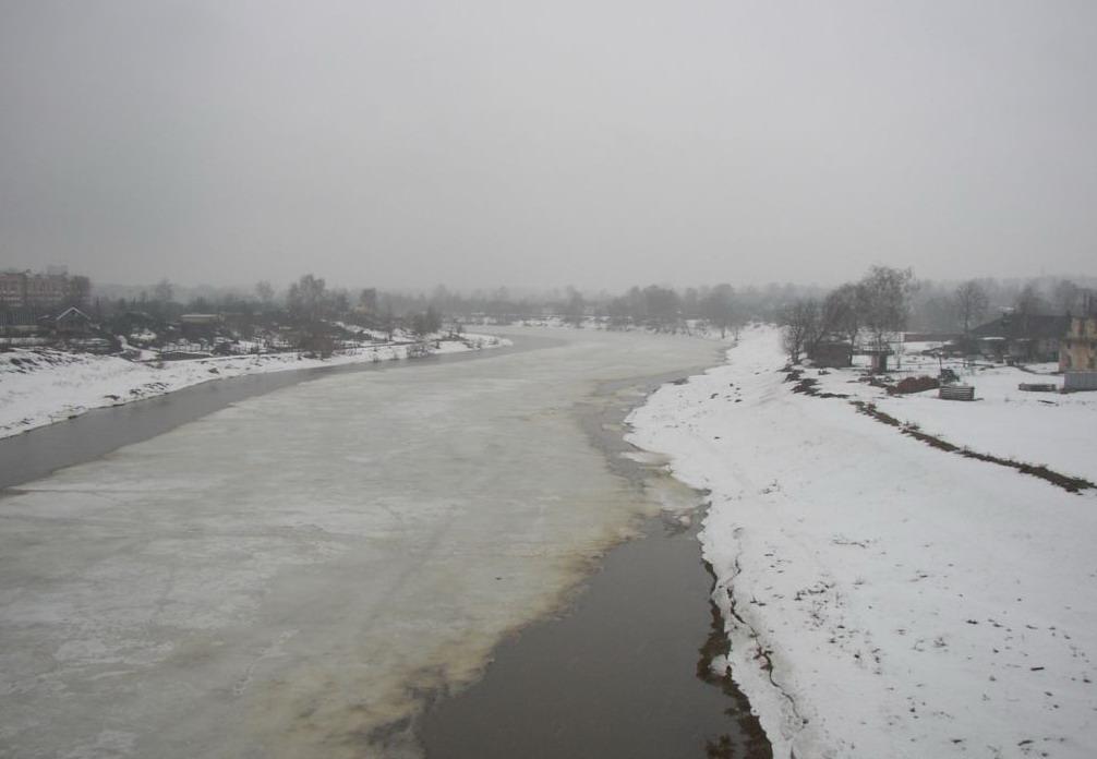 В Запорожье на дне реки обнаружили надгробные камни (ВИДЕО)