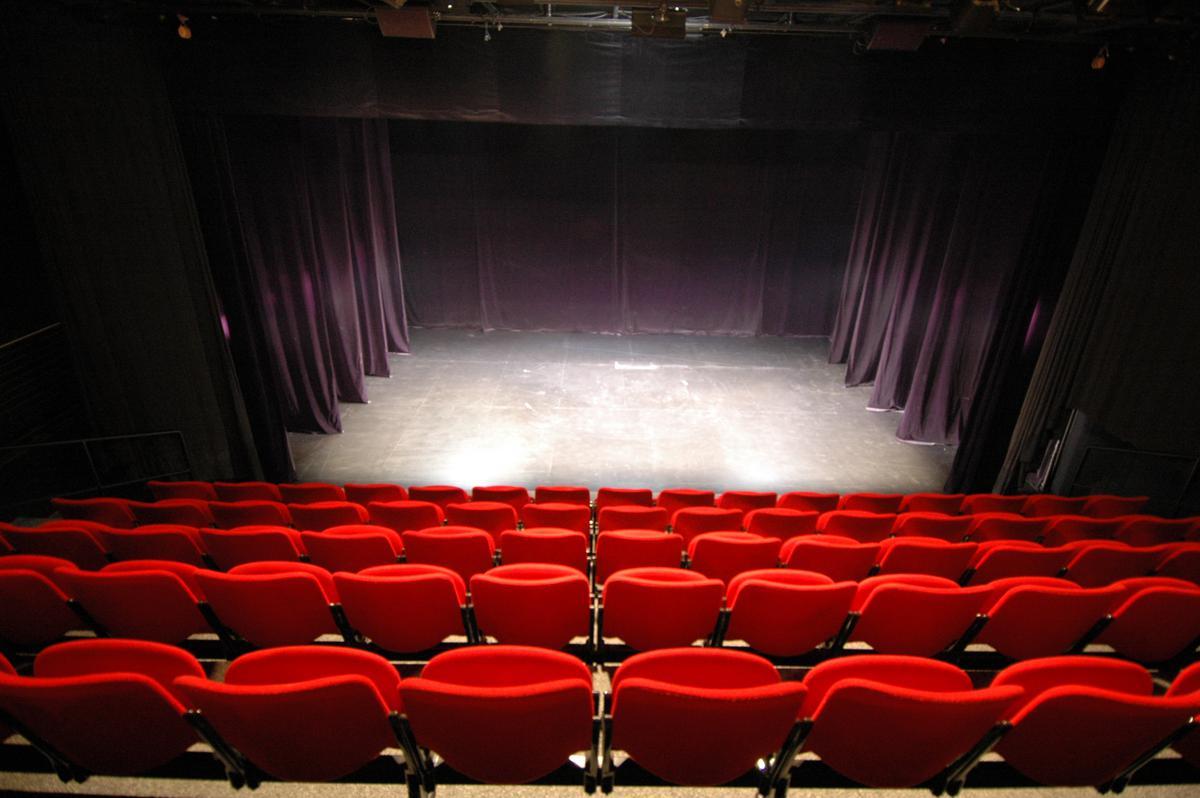 Французский-театр-в-Париже4