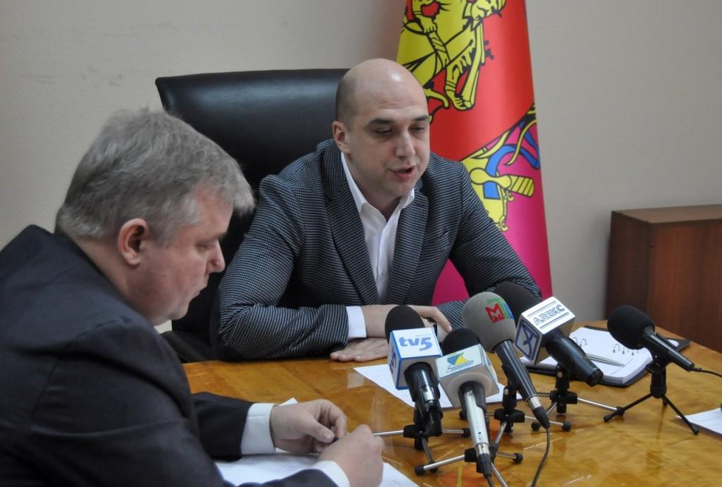 Квоты для порохоботов: запорожский нардеп Артюшенко готовится «отжимать» местные телеканалы — журналист