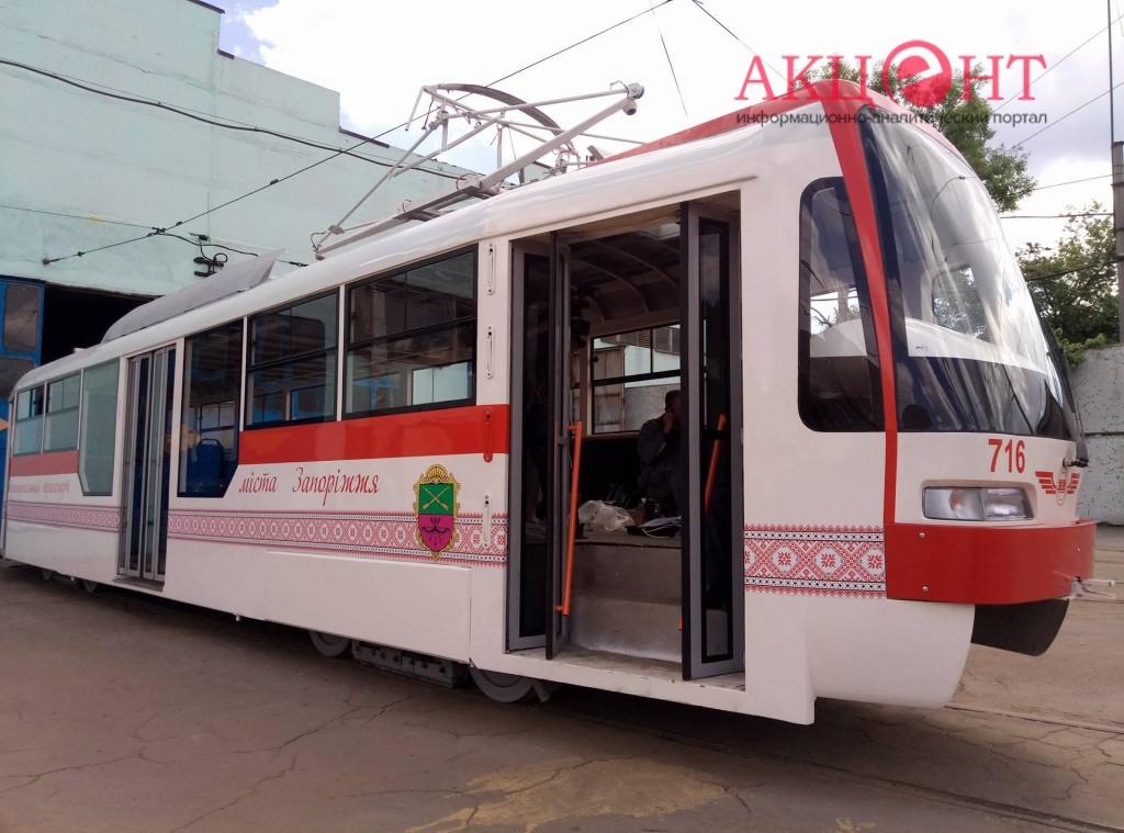 Не готов: выпуск нового трамвая в Запорожье откладывается (ФОТО)