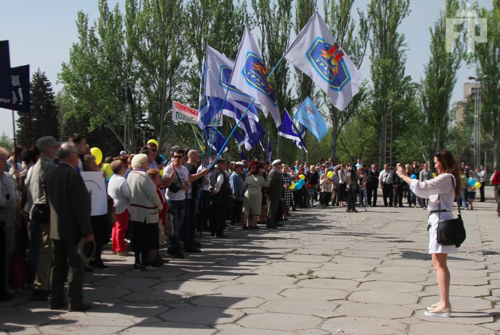 В Запорожье студенты на первомайскую демонстрацию пришли за зачет