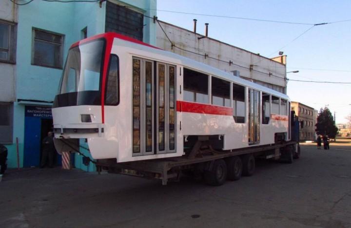 В конце месяца запорожцы увидят трамвай «собственного производства»