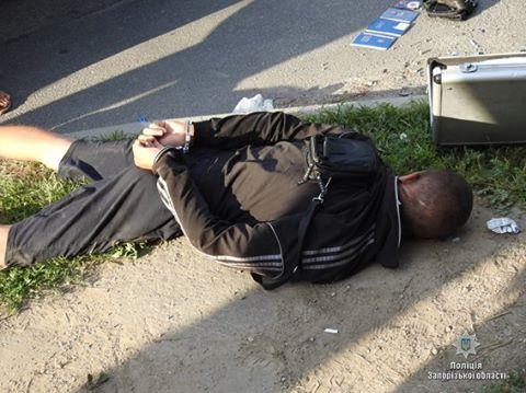 В Запорожье задержали грабителей, которые «охотились» на женщин с золотом (ФОТО)