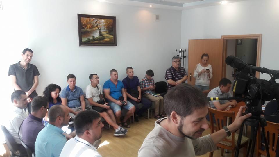 В Запорожье на воскресный конкурс по управителям домов пришли депутаты горсовета (ОБНОВЛЕНО)