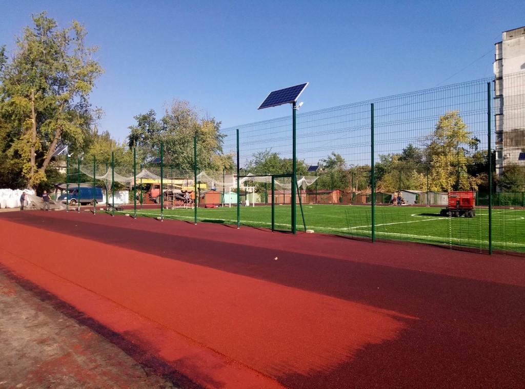 Первый современный школьный стадион в Запорожье: дата открытия и условия посещения