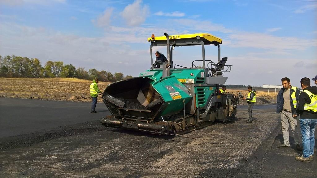 ФОТОРЕПОРТАЖ: как ремонтируют трассу Борисполь-Днепр-Запорожье