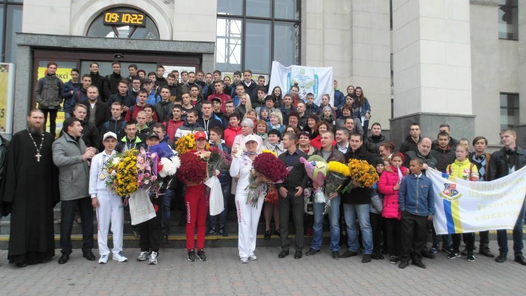 В Запорожье встретили 14-кратную чемпионку мира Любовь Черепаху (ФОТОРЕПОРТАЖ)