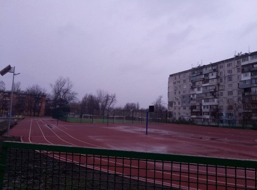 В Запорожье новые школьные стадионы переходят на зимний график работы