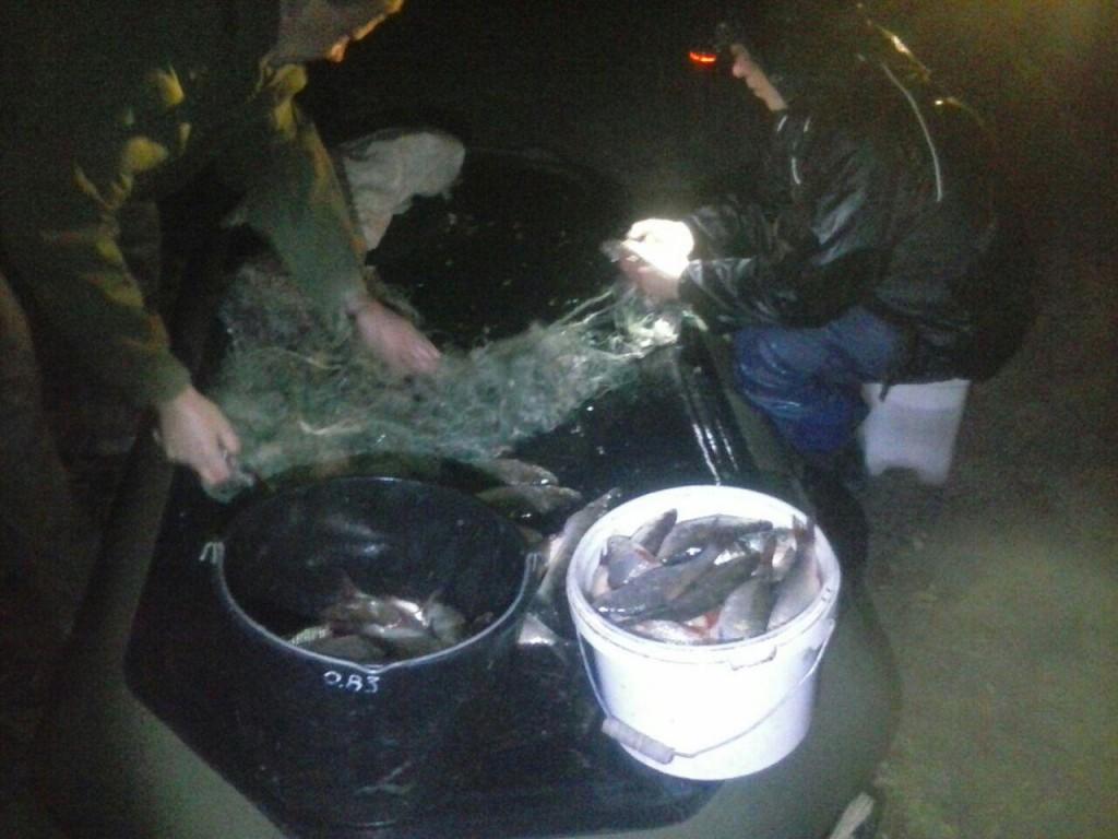 В Запорожском районе правоохранители задержали мужчину, ловившего рыбу запрещенным способом (ФОТО)