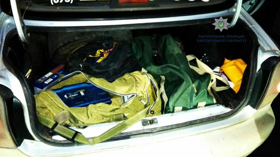 В Запорожье патрульным удалось предотвратить преступление и задержать вора в розыске (ФОТО)