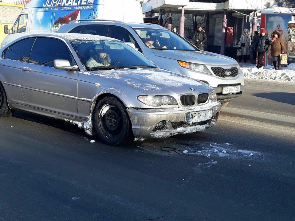 В Запорожье водитель на BMW сбил пешехода (ФОТО)