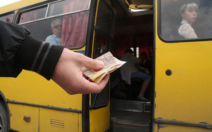 В Запорожье на одном из маршрутов водители самостоятельно повысили стоимость проезда