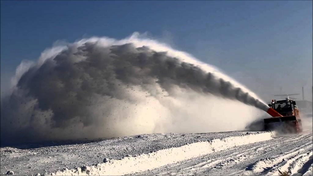В Запорожской области перекрыли движение на трех трассах (ФОТО)