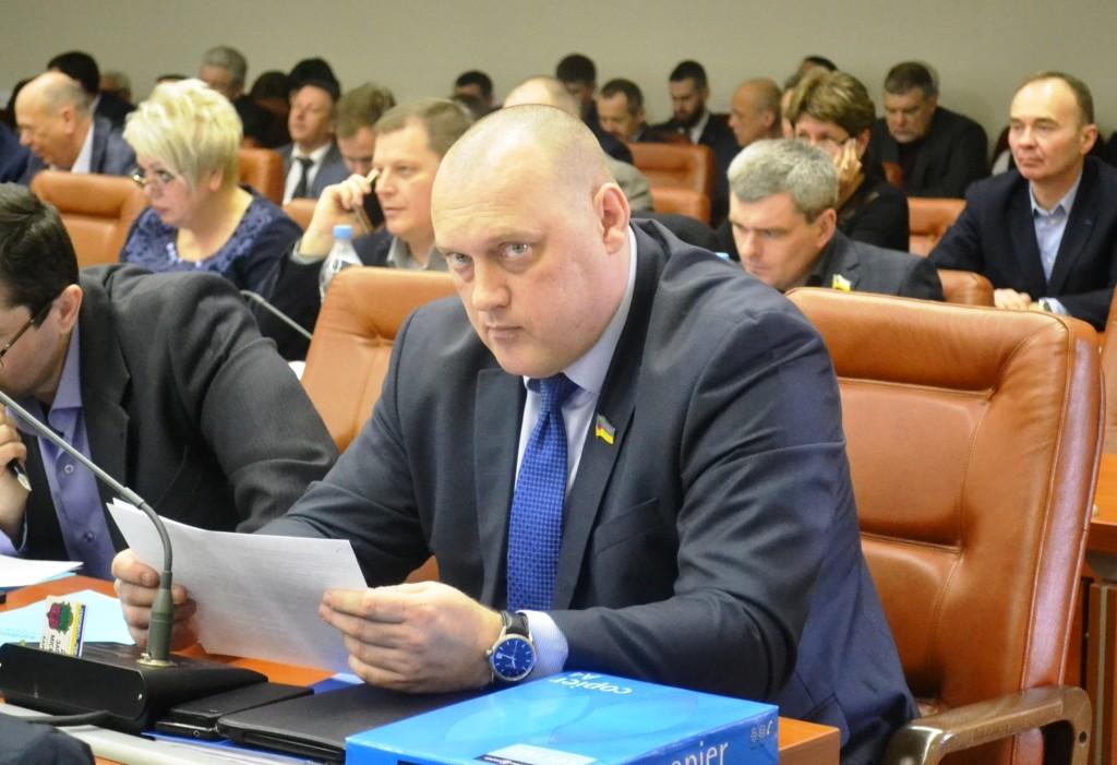 Махинации с деньгами запорожцев: депутаты проверят КП «Наше місто» и «Основание»