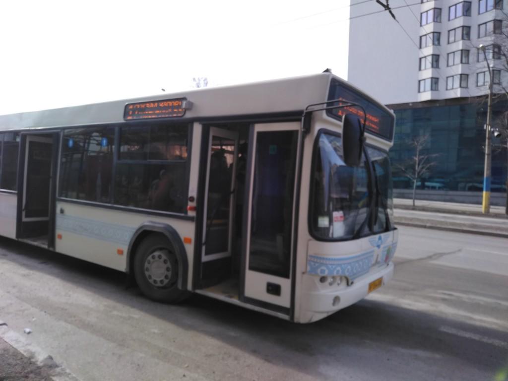 Что происходит с коммунальным транспортом в Запорожье: визит в троллейбусный и автобусный парки (ФОТО, ВИДЕО)