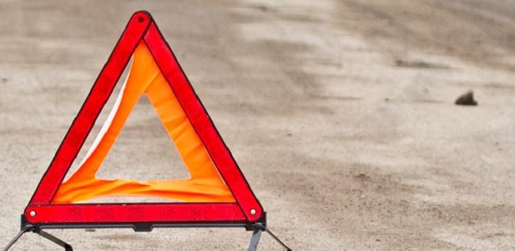 ДТП в Запорожье: фура врезалась в легковой автомобиль (ФОТО)
