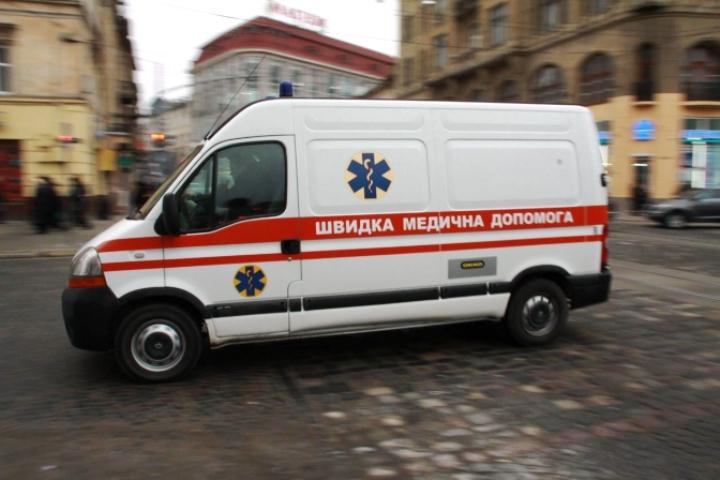 В Запорожье женщина в пылу ссоры проломила своему мужу голову табуреткой (ФОТО)