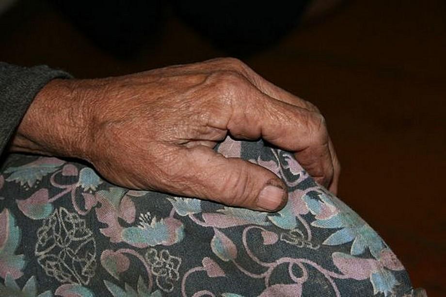 В Запорожской области мужчина задушил мать своего друга и спрятал тело под кровать
