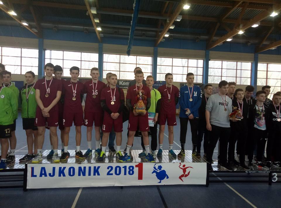 Мелитопольские гандболисты вернулись с победой из Польши (ФОТО)