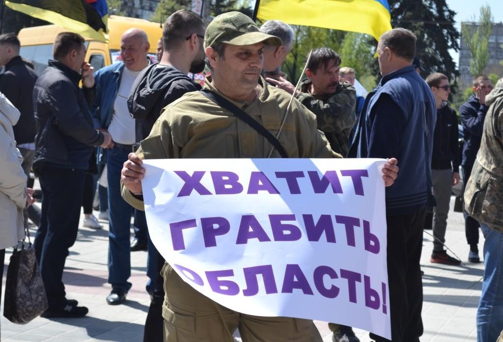«Эти дороги забрали право на жизнь у многих людей»:  медики Скорой помощи о трассах в Запорожской области (ВИДЕО)