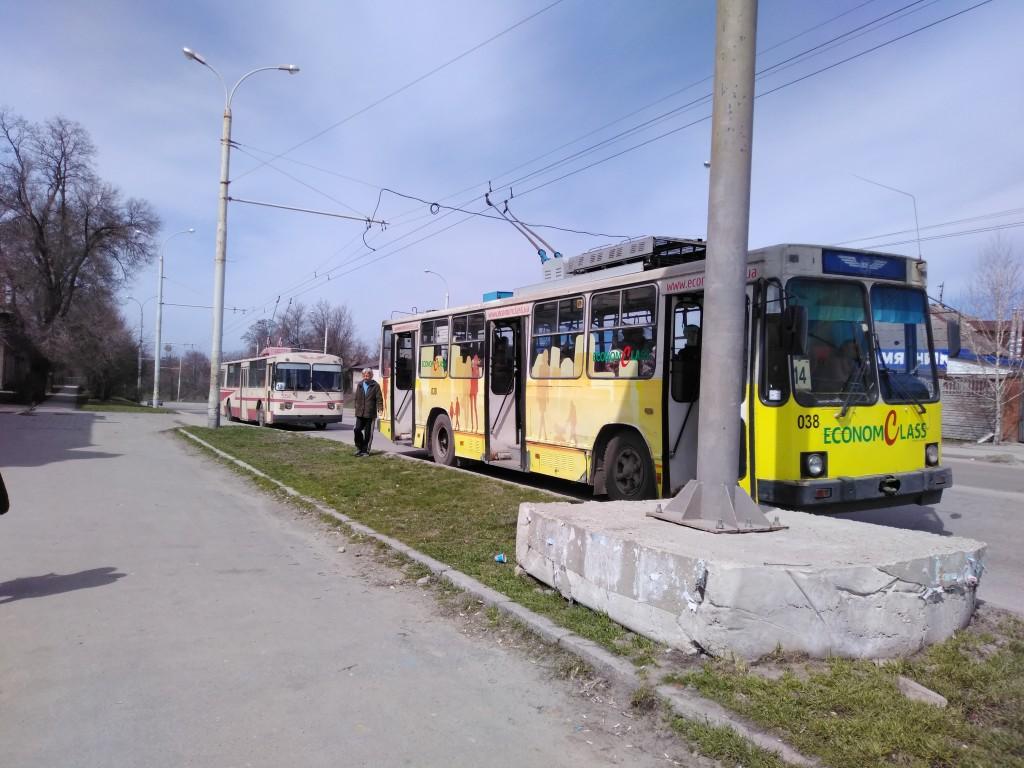 «Хочу поблагодарить этого мальчика»: история водителя запорожского троллейбуса о черствости и чуткости горожан