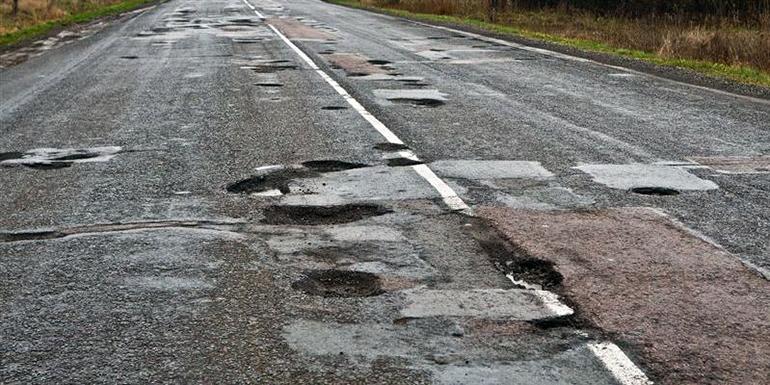 Стало известно какую часть «дороги жизни» Запорожье-Мариуполь смогут отремонтировать в 2018 году