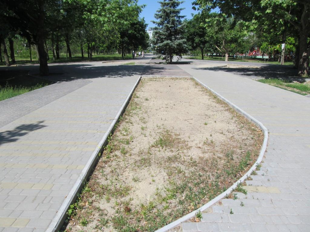 В Запорожье застыла реконструкция парка «Юбилейный» (ФОТОРЕПОРТАЖ)