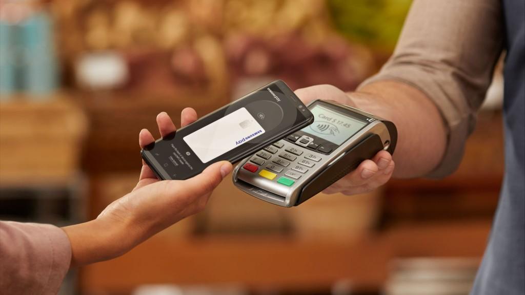 Безналичная оплата с Apple Pay доступна запорожцам: как работает и есть ли комиссия