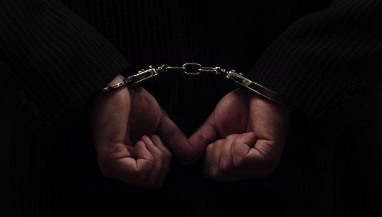 В Запорожье ранее судимый мужчина ограбил в подъезде 17-летнюю девушку (ФОТО)