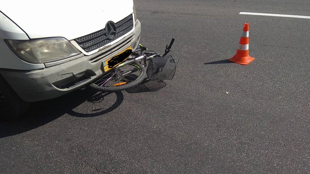 В центре Запорожья под колеса маршрутки попал велосипедист (ФОТО)