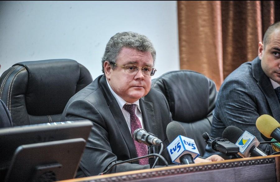 В Запорожье криминалитет «зарабатывает» от имени прокурора области