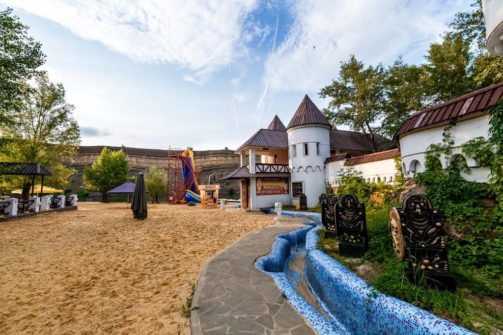 Базы отдыха-призраки: на запорожских курортах разоблачают новых мошенников