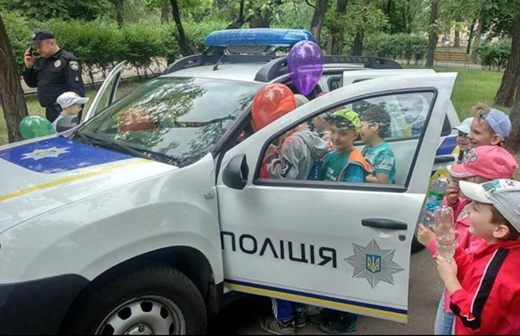 День рождения патрульной полиции: в Запорожье детям устроят праздник