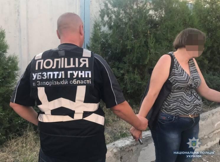 Продать сына за 50 тысяч: в Запорожье будут судить горе-мать