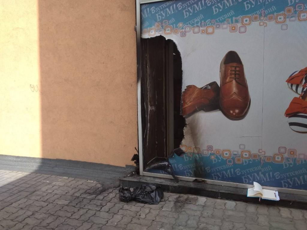 В Запорожье горел обувной магазин: ГСЧС дали официальный комментарий (ФОТО)