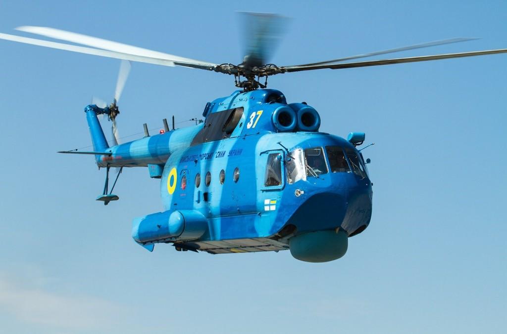 Над запорожским курортом летали военные вертолеты (ВИДЕО)