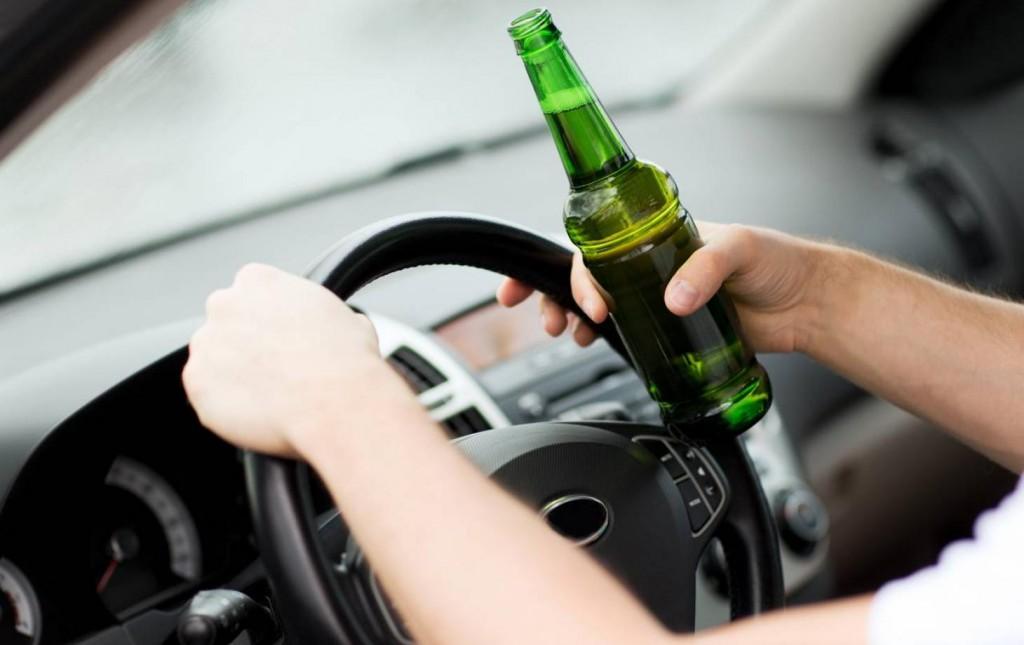 В Запорожье активисты засекли пьяного водителя: как отреагировала полиция (ВИДЕО)