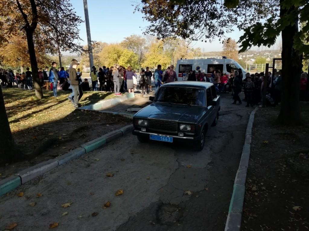 В Запорожье полиция оперативно нашла подростка, распылившего газ в школе