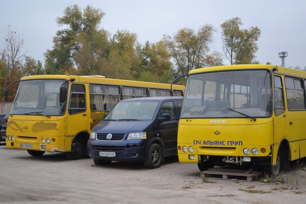 «Буду идти в ногу со всеми»: в Запорожье перевозчик продаёт все большие автобусы