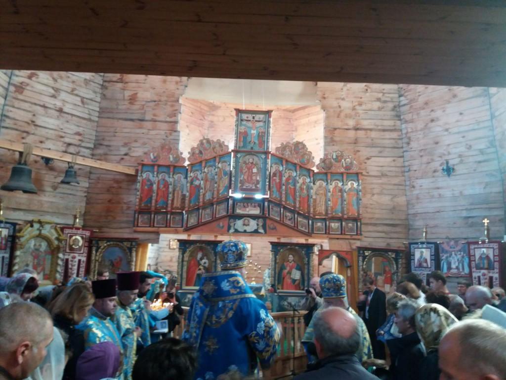 Покрова-2018 и День защитника Украины: на Запорожской Сечи идет молебен (ФОТО)
