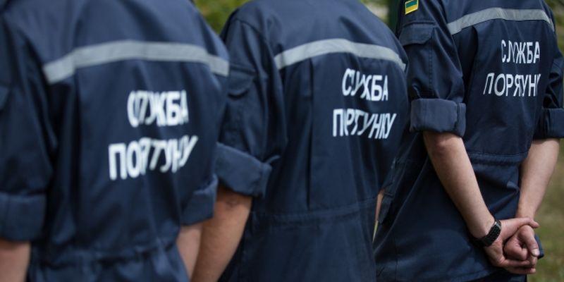 В Запорожье мужчина упал в компостную яму и умер: спасатели достали тело