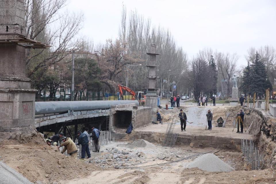 В Запорожье возникли сложности при реконструкции моста, соединяющего два района (ФОТО)