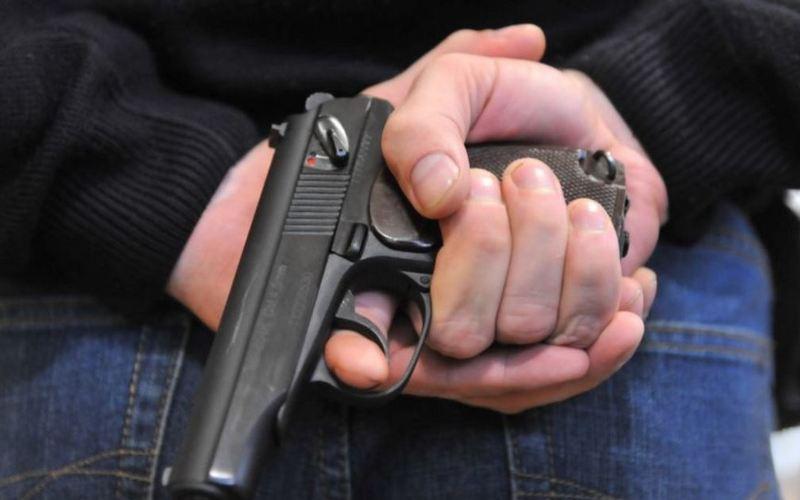 Вооруженный «стоп-контроль»: в Запорожской области мужчина ловил авто с помощью оружия