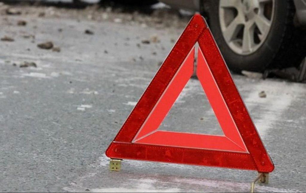 В Запорожье на перекрестке авто полиции протаранил аварийку
