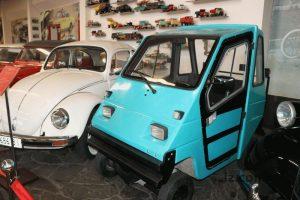 В запорожском музее появилось самое маленькое авто в Украине (ФОТО)