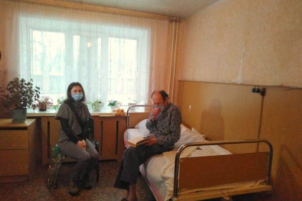 Запорожского бездомного поместили в больницу: что будет с другими бомжами (ФОТО, ВИДЕО)