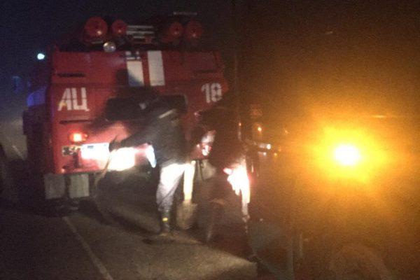 В Запорожской области спасатели вытащили из кювета грузовик (ФОТО)