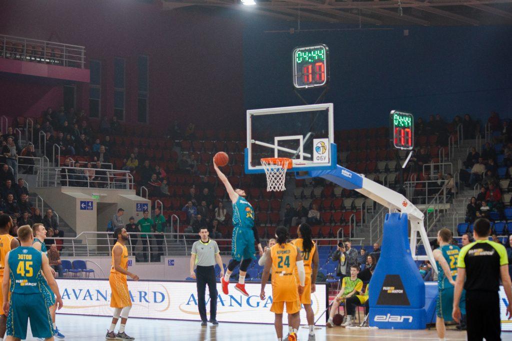 В Запорожье впервые в истории города прошел матч звезд Суперлиги украинского баскетбола (ФОТО)