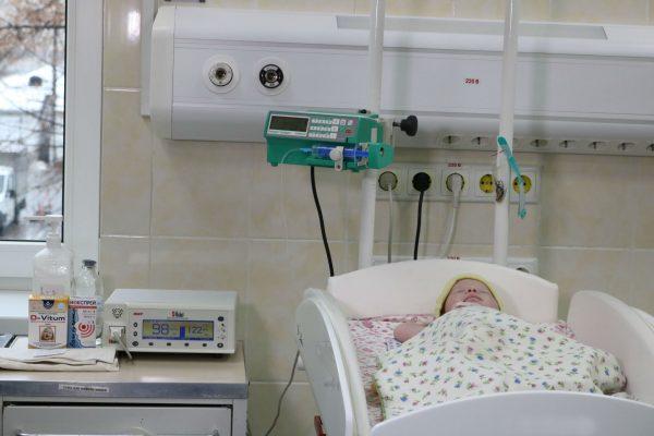 «Обыкновенное чудо»: ПриватБанк передал запорожской больнице оборудование для спасения малышей